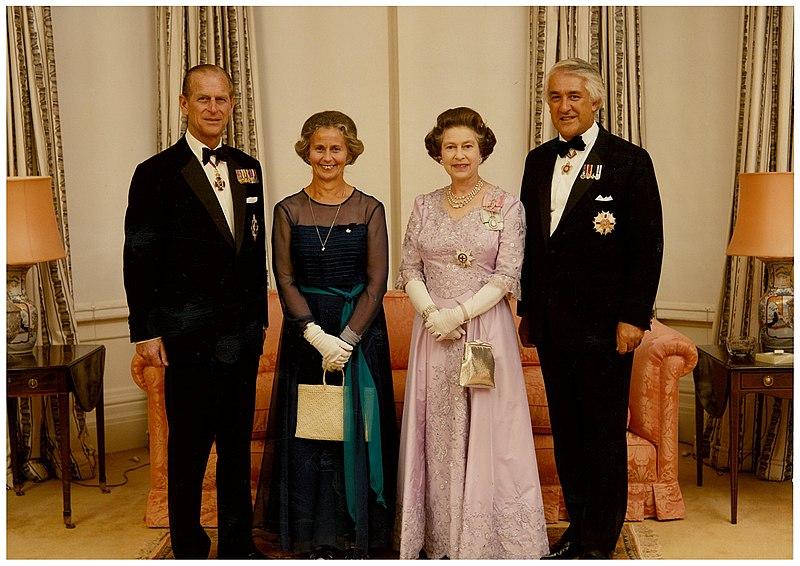 800px-Prince_Philip,_Beverley_Reeves,_Queen_Elizabeth_II,_Paul_Reeves
