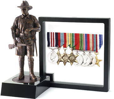 Mini-WW2-Digger-Figurine-with-Stand-and-Frame-and-Medals_1200px